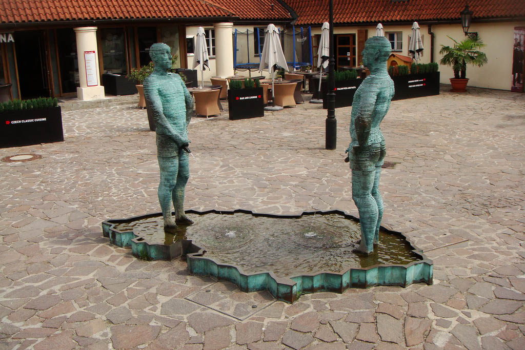 Statues urinating in Prage