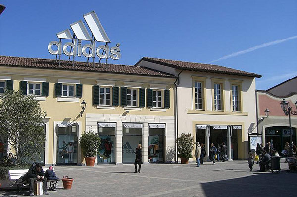 Adidas Outlet store in Serravalle