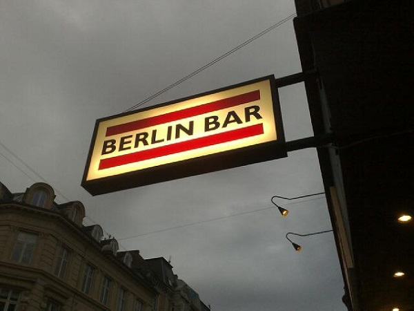 Berlin Bar Sign