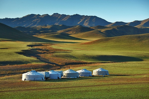 Mongolia-Saikhan-Mountains.jpg