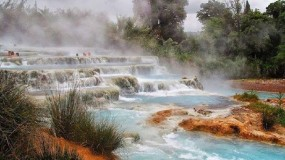 Hot Springs around the world | Pleasure for free
