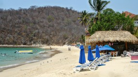 The amazing beaches of Huatulco in Mexico