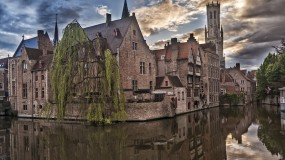 Spend a day on the canals of Bruges