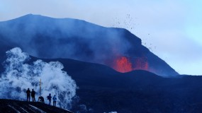 Volcano Tourism – The Enthralling Dangers of Volcanic Pyro Displays