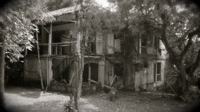 On a Hunt to Find the Scariest Haunted Houses to Visit This Halloween