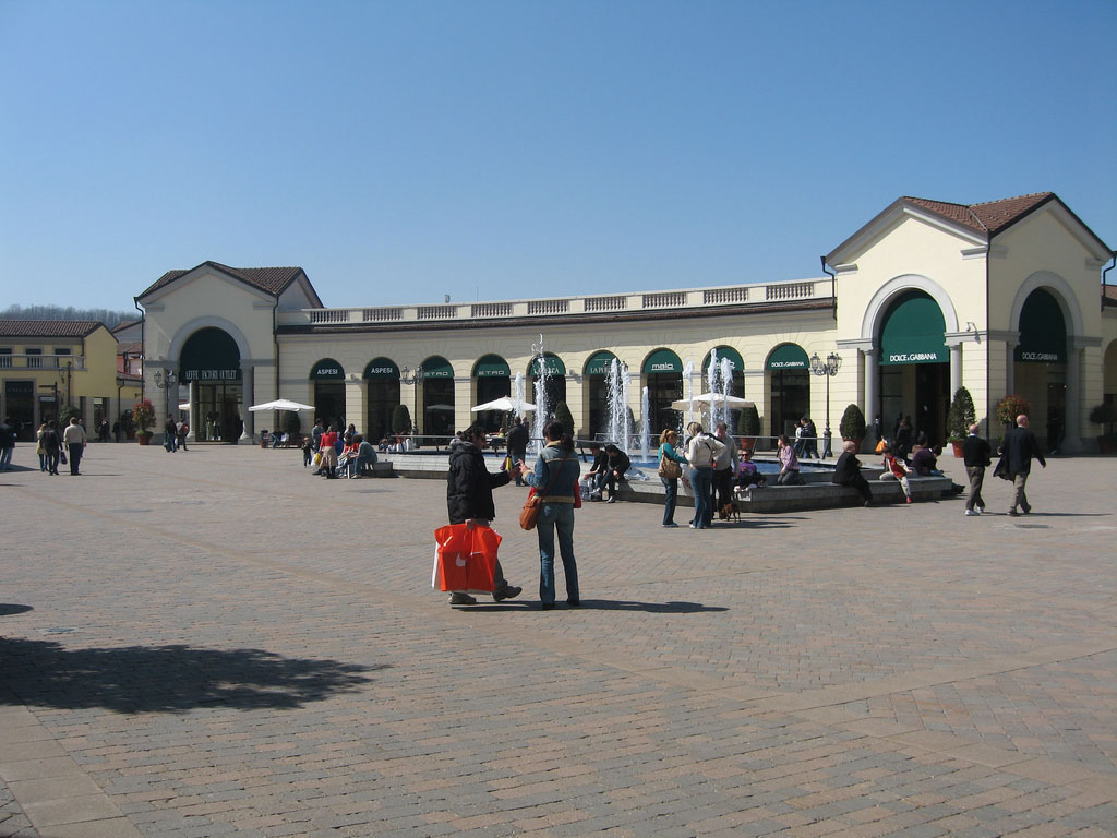 more photos ecbe3 823af Serravalle Outlet in Alessandria in Italy | 180 shopping ...