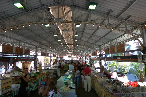 Local market in Antibes