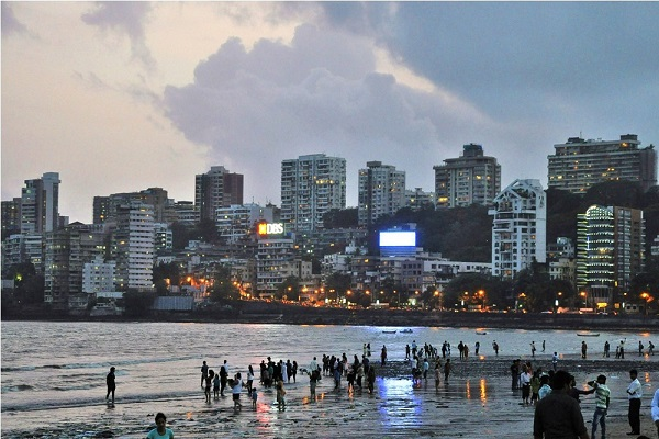 Chowpatty Beach at dusk